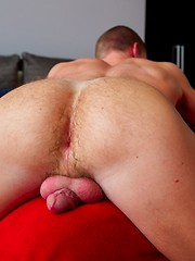 Hung country boy Hunter tops Tanner