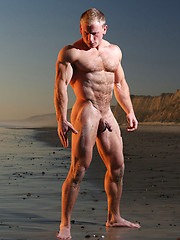 Muscled guy erotic photo set