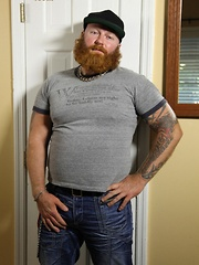Sexy ginger bear Rusty G is back with a full beard and full on hot sticky cum