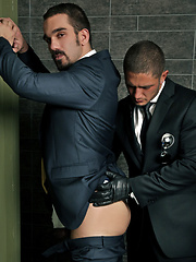 Dato Foland is back as the RED HOT Security guy