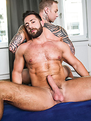 Dylan James And Valentino Medici - Alpha-Male Flip Fucking