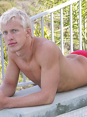Sexy blond swimmer posing naked