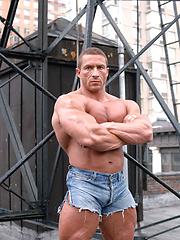 Jaroslav Horvath shows his muscled body